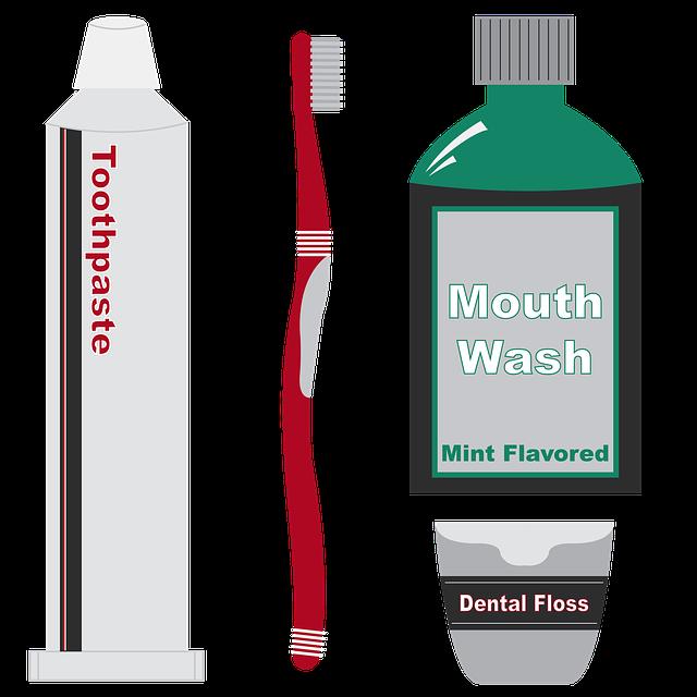 паста за зъби, четка и вода за уста